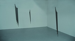 Pennant, 2005. Installation view. Wood, steel rope. Dimensions variable.